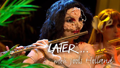 Scope Out Björk Perform On Jools Holland In First TV Performance In 8 Years!!!