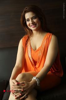 Actress Saloni Aswani Pos in Short Dress at Meelo Evaru Koteeswarudu Movie Interview  0215.JPG