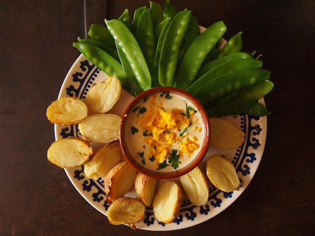 patatas asadas con salsa tártara