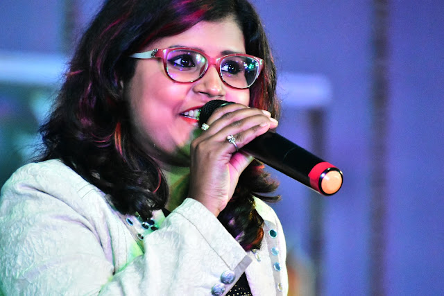 Pallavi Joshi (Singer) (2 Images)