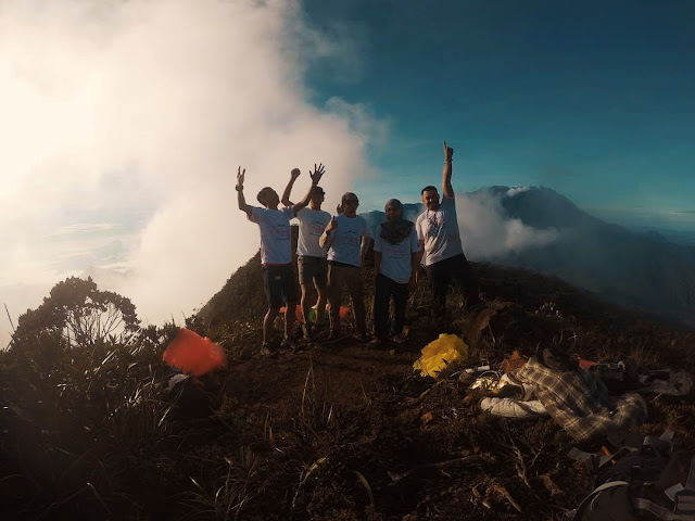 Puncak Gunung Tambuyukon Sabah