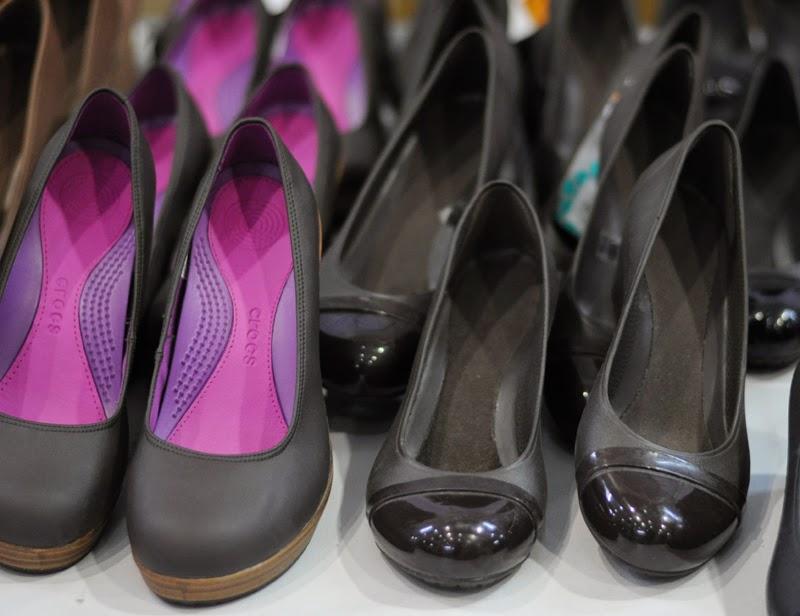 0746d56410d5 Shopping at Crocs Mega Sale 2015 - Rochelle Rivera
