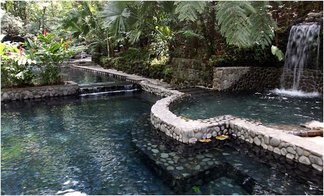 How much does it cost to go to hot springs in Costa Rica
