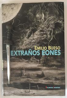Portada del libro Extraños eones, de Emilio Bueso