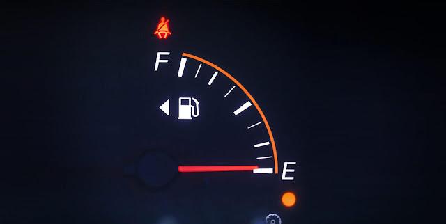 memahami arti huruf F dan E pada meter bahan bakar
