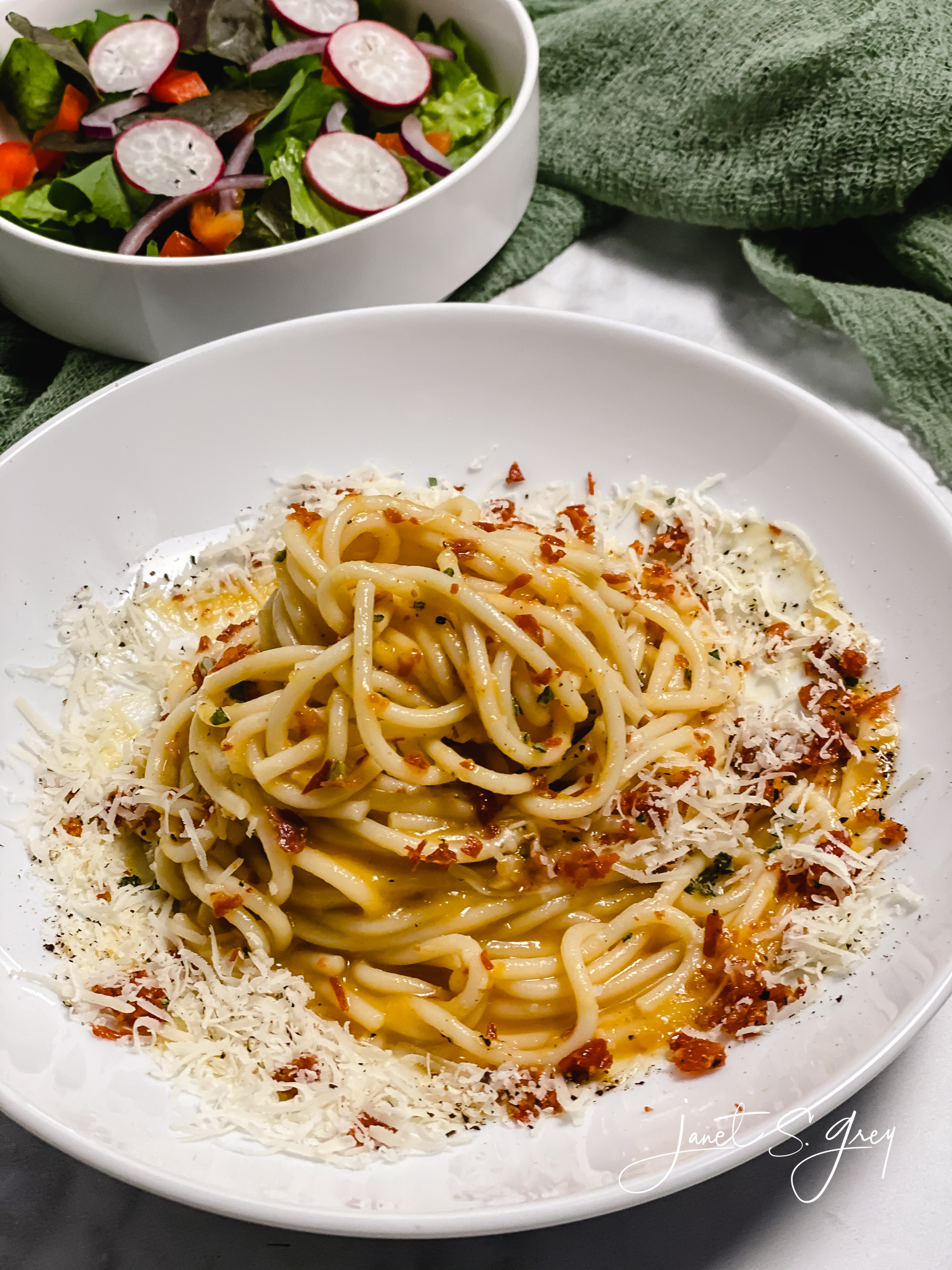 Quick and Easy Carbonara with those Fall Flavor Vibes