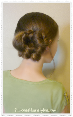 Easy messy bun (flip braid technique)