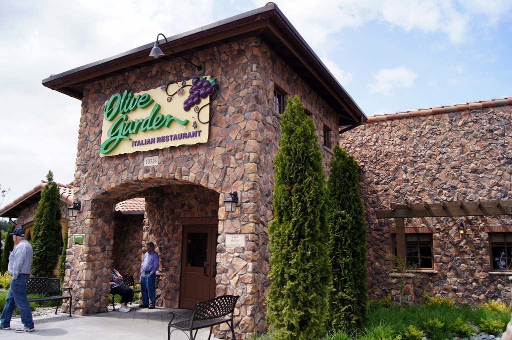 i m curly on a road trip to portland this long weekend and our way we stopped - Olive Garden Francise