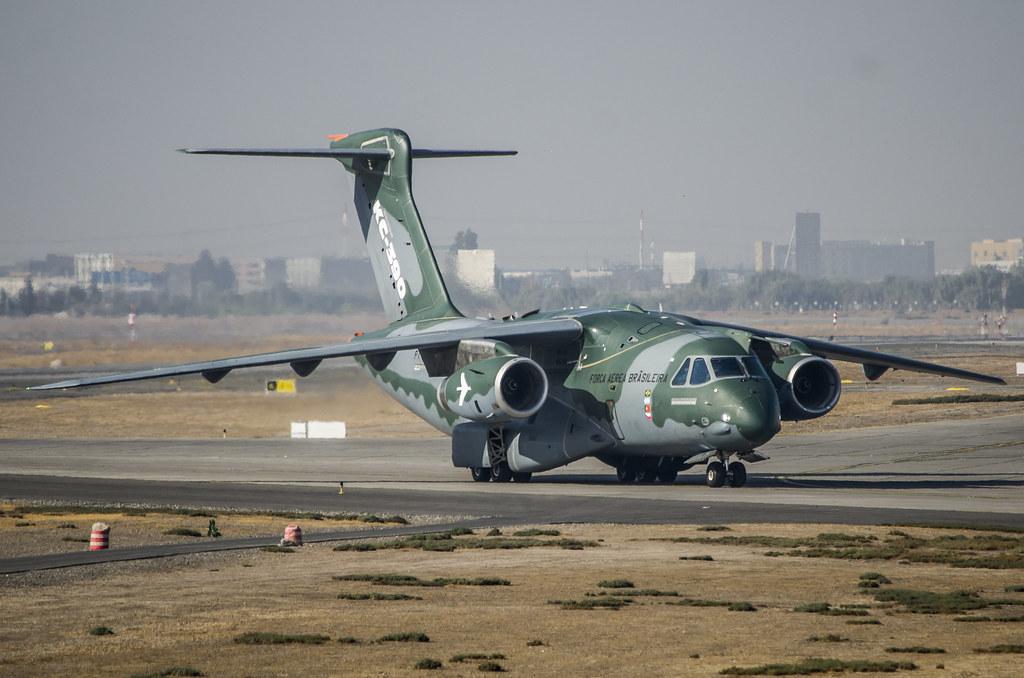 Бразилія підтвердила перемовини з купівлі літаків Україною