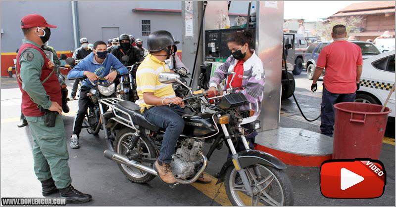 Guardia del Régimen arremeten contra motorizados que querían comprar gasolina en bolívares