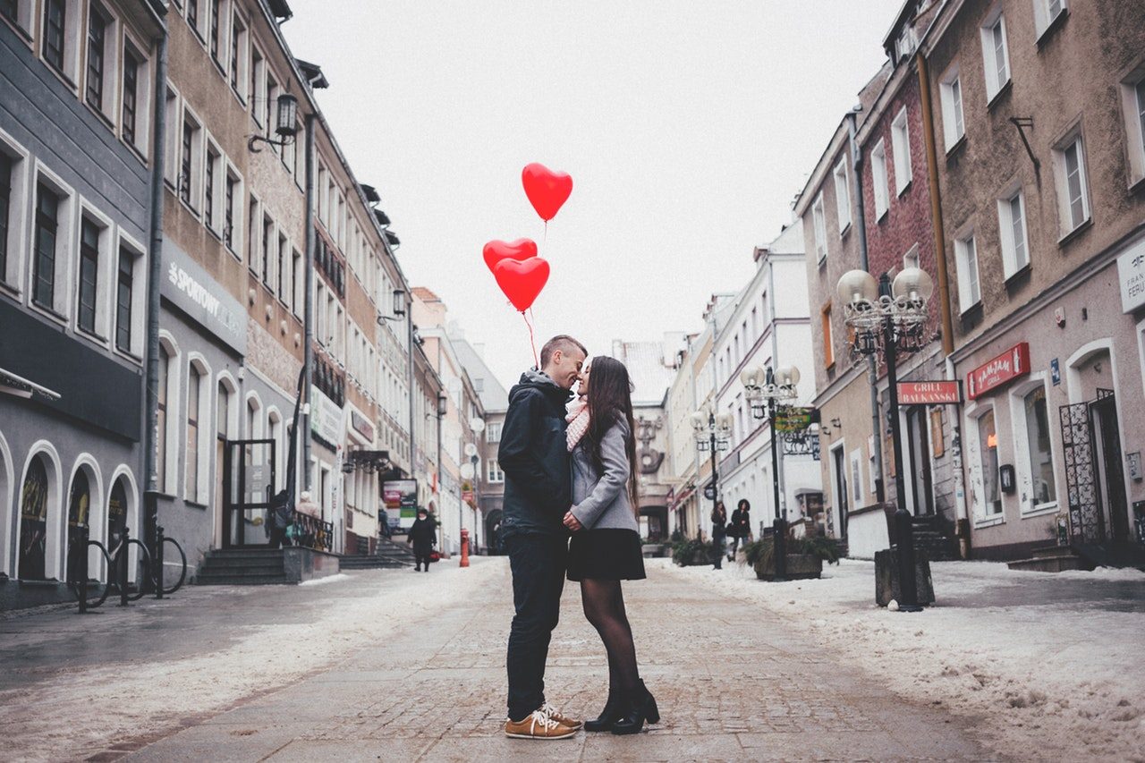 Long Distance Relationships: Keeping It Interesting | Olivia