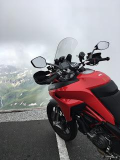 Edelweiss-spitze in moto
