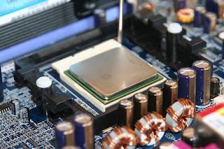 What are Single-core and Multi-Core processors?