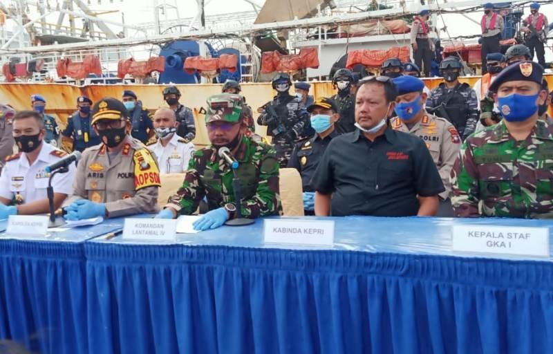 Danlantamal IV Beri Keterangan Perss Terkait ABK WNI yang Meninggal di Kapal Asing