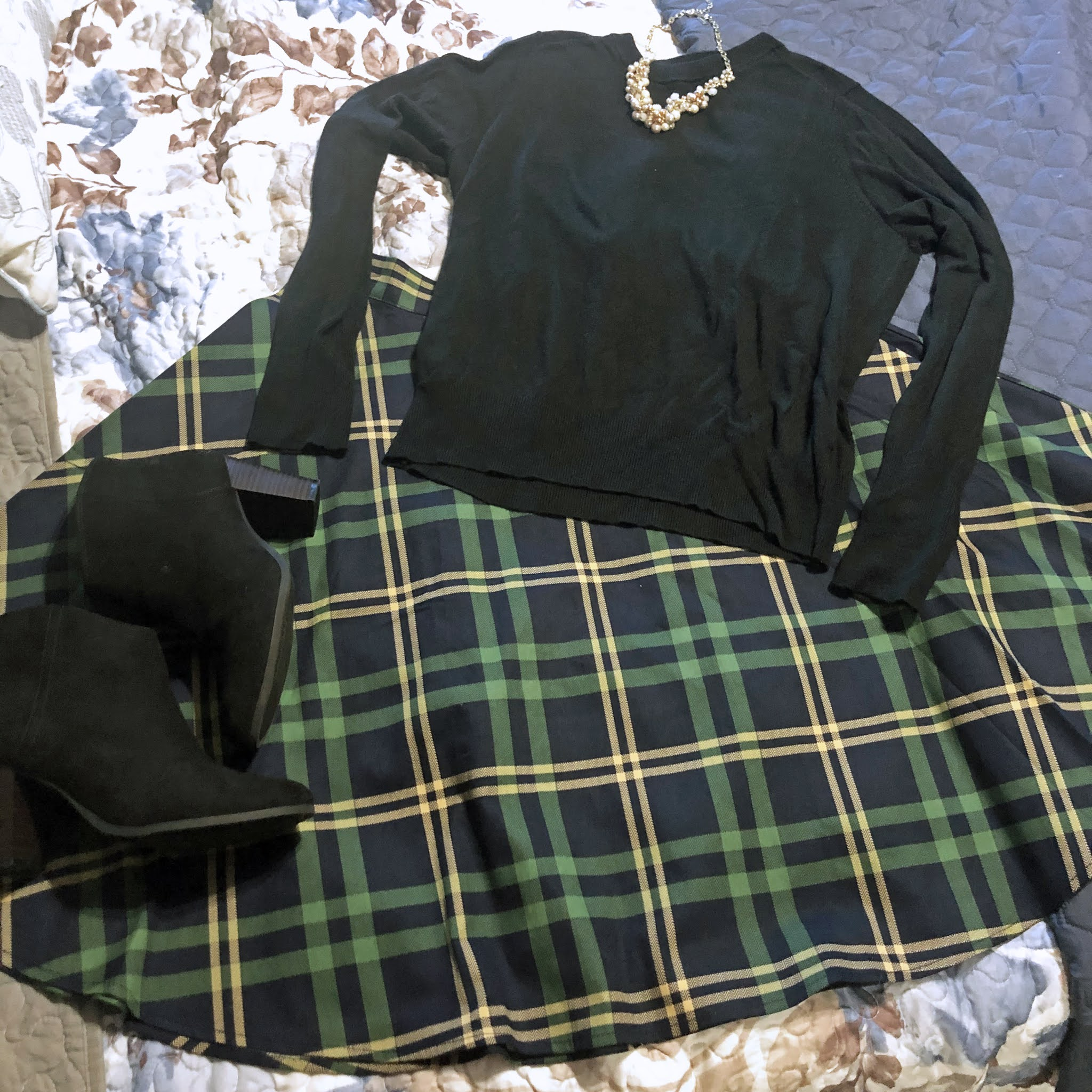 plaid_skirt_sweater_booties