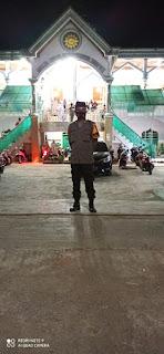 Malam Pertama Tarawih, Personil Polsek Tempe Wajo Lakukan Pengamanan