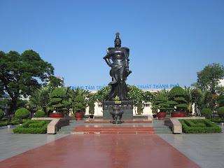 Estatua de la Generala Le Chan - Haiphong - Vietnam