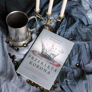 Przeklęta korona- Victoria Aveyard