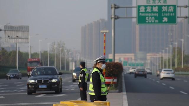 Wuhan recibe 620.000 pasajeros el primer día de reapertura