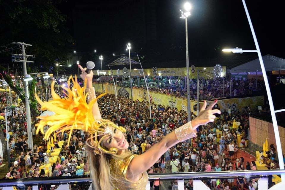 Luana Monalisa no Trio Elétrico A Nave. Foto: Juarez Carvalho/Renato Cipriano - Divulgação
