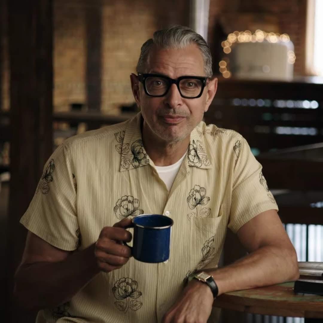 The World According to Jeff Goldblum : 名優にして、ジャズ・ミュージシャンのハイセンスな大人のジェフ・ゴールドブラム66歳が、今さら気になる世間のモノゴトを訪ねてまわる好奇心探求バラエティのドキュメンタリー「ジェフ・ゴールドブラムの世界」の予告編 ! !