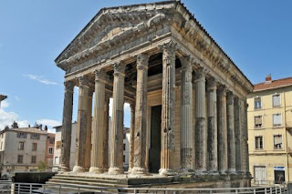 10. Temple of Augustus dan Livia