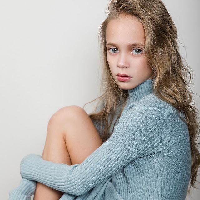 alisa samsonova model young girl