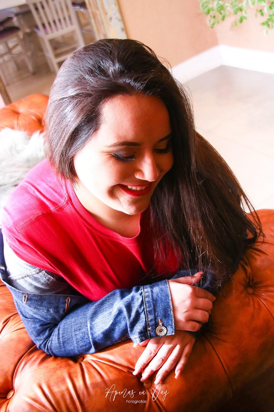 Ensaio feminino de 18 anos realizado na confeitaria mais bonita de Curitiba a Goodies Bakery. Veja agora!