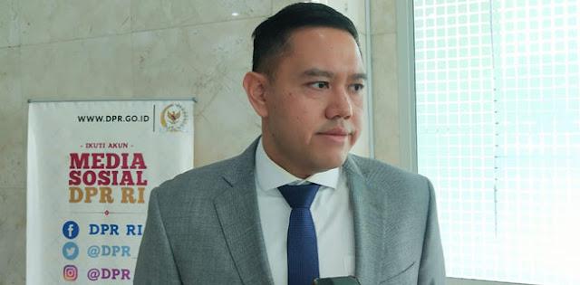 Partai Golkar Geleng Kepala Dengan Pembangkangan Rini Soemarno