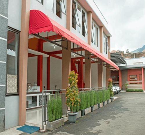 Hotel asri di dekat wisata kawah putih Ciwidey