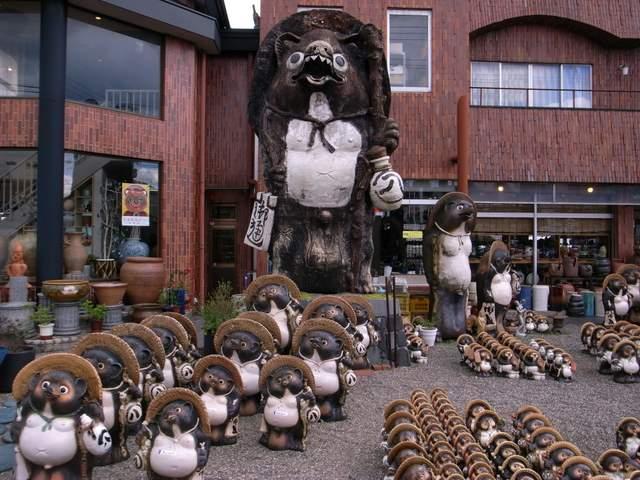 Shigaraki Earthenware Sale Event, Kouga City, Shiga Pref.