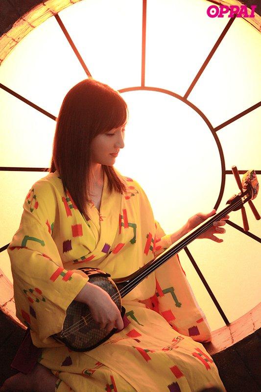 2月19日档最好新人!来自沖绳的H罩杯小麦色巨乳!楪カレン圆梦拍片淫语连发!