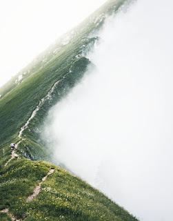 Au-dessus du brouillard