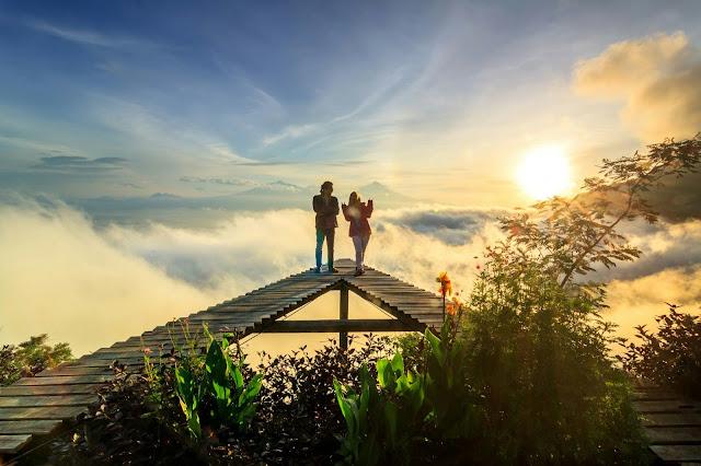 Spot Wisata Sunrise Terbaik Di Magelang - Sunrise di Punthuk Mongkrong