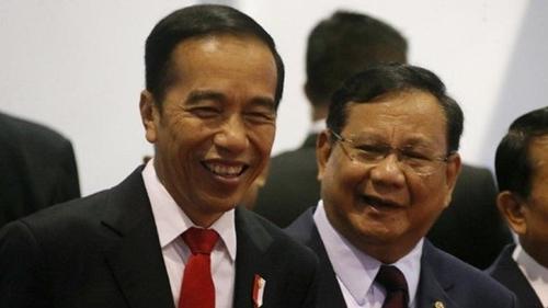 Hanya Kadrun dan Oposan Partai Mangkrak yang Ingin Jokowi Mundur