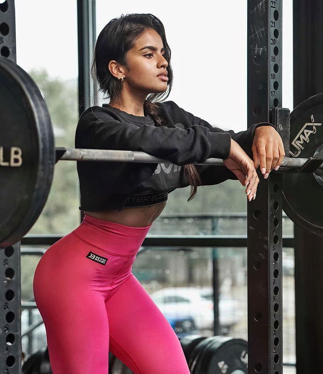 Fitness Female Models - Pricilla Aquila
