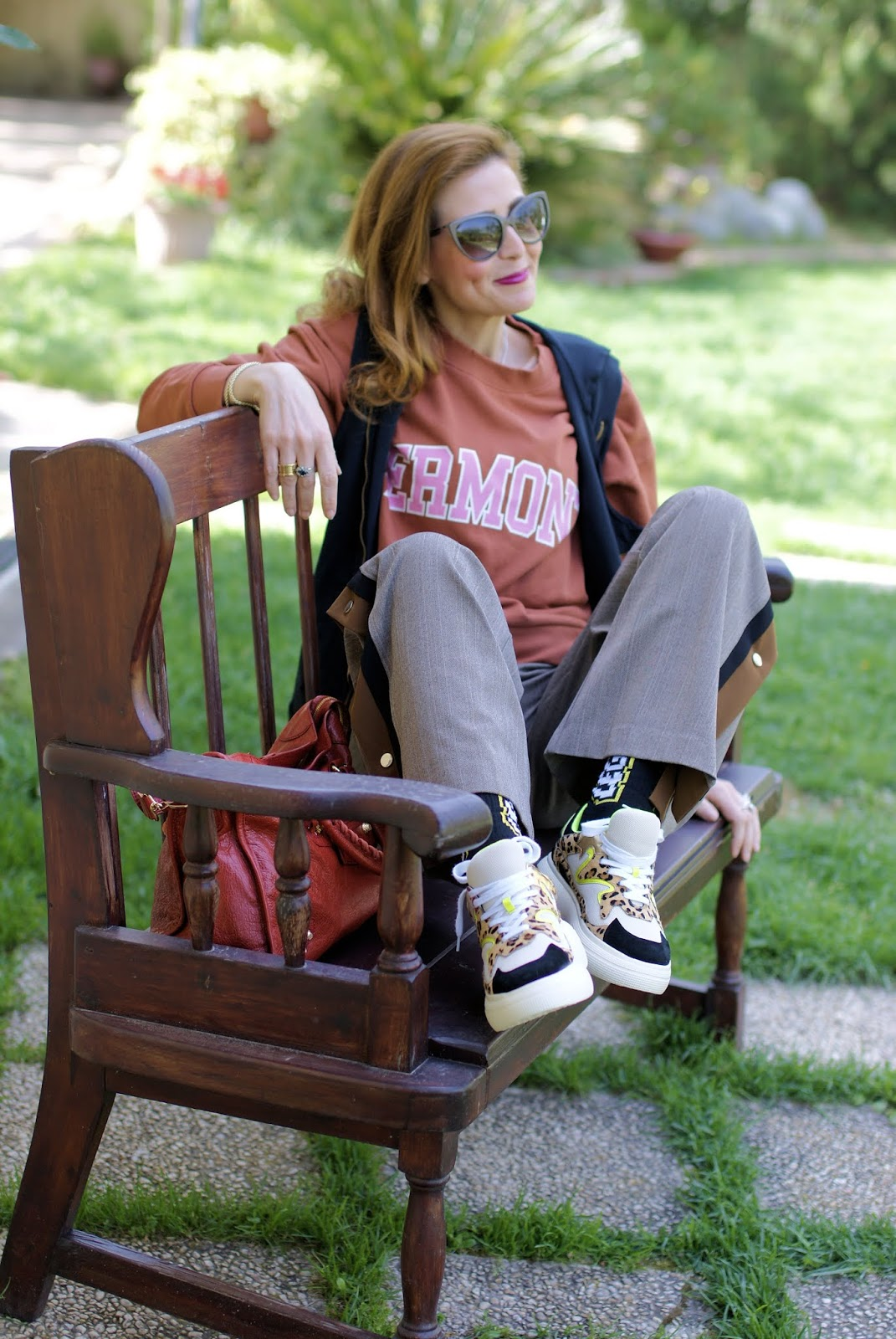 How to wear button side pants: casual layered look on Fashion and Cookies fashion blog, fashion blogger style