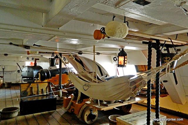 Dormitório dos marujos a bordo do HMS Victory