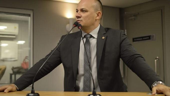 Deputado aciona Justiça contra toque de recolher na Paraíba