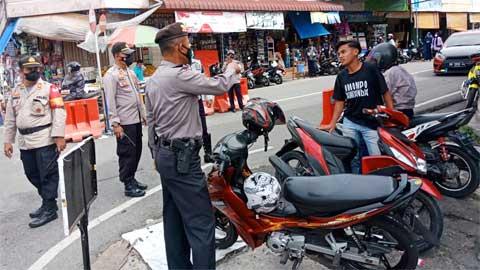Operasi Yustisi di Pusat Pasar Kota Padang Panjang