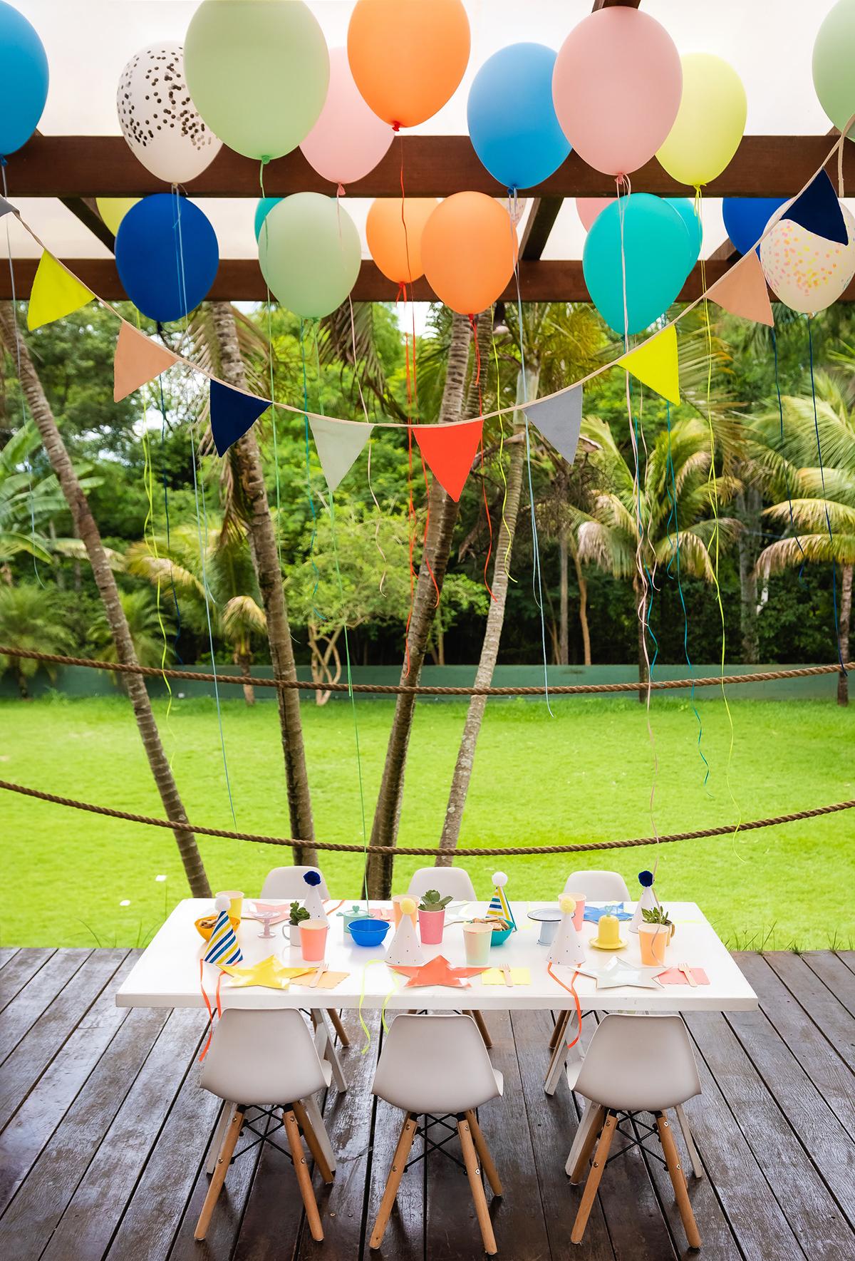 decoracao simples e barata festa aniversario infantil 1 ano colorida temas criativos masculinos menino teatro marionetes musica blog do math