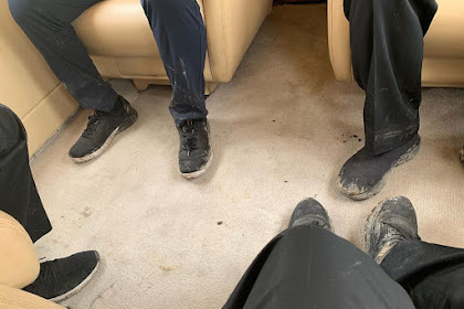 Setelah Tinjau Lokasi Kebakaran Hutan, Jokowi dan Menteri Pamer Foto Sepatu Kotor