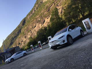 Norway Tesla Model X Model S Supercharging (Credit: cleantechnica.com) Click to Enlarge.