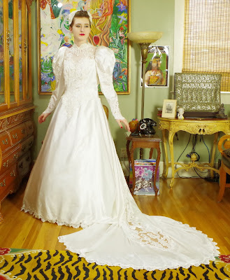 Wedding, Wedding Gown, Weddng Dress, Bridal Salon
