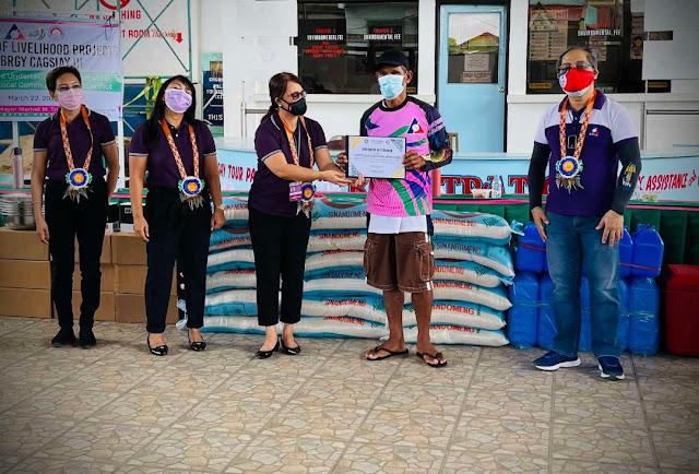 DOLE Quezon awards P1M ELCAC livelihood assistance to 100 Maubanins
