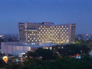 santika premiere dyandra hotel & convention