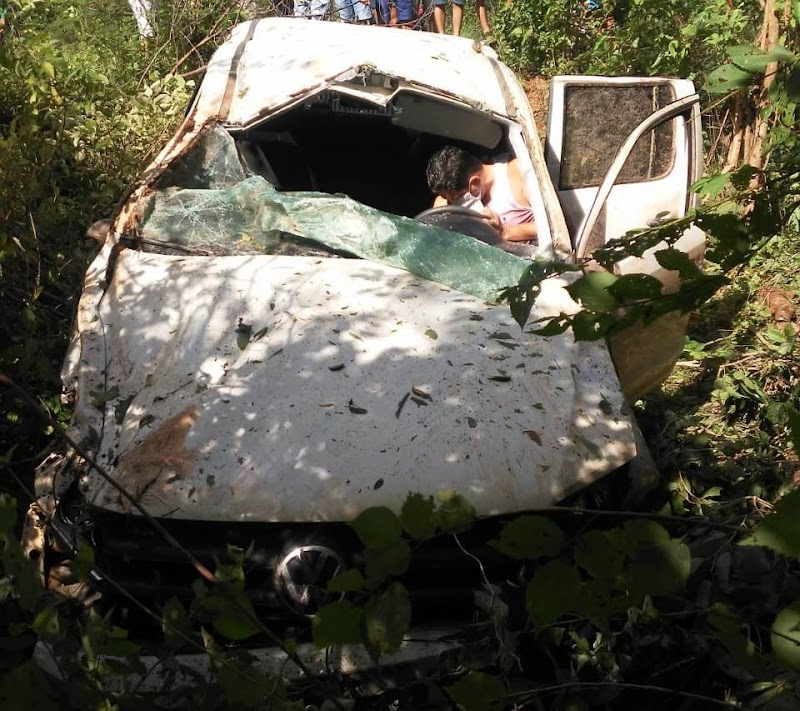 Prefeito de Caraúbas do Piauí sofre acidente de carro na PI-305