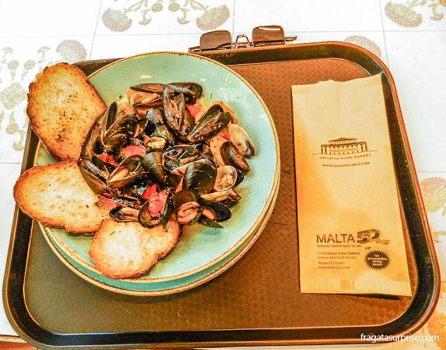 Prato de frutos do mar no Mercado de Valeta, Malta