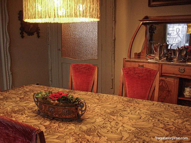 Sala de jantar de La Pedrera, casa de Gaudí em Barcelona