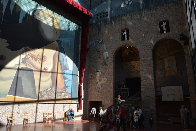 Teatre Museum Dali Art Figueres